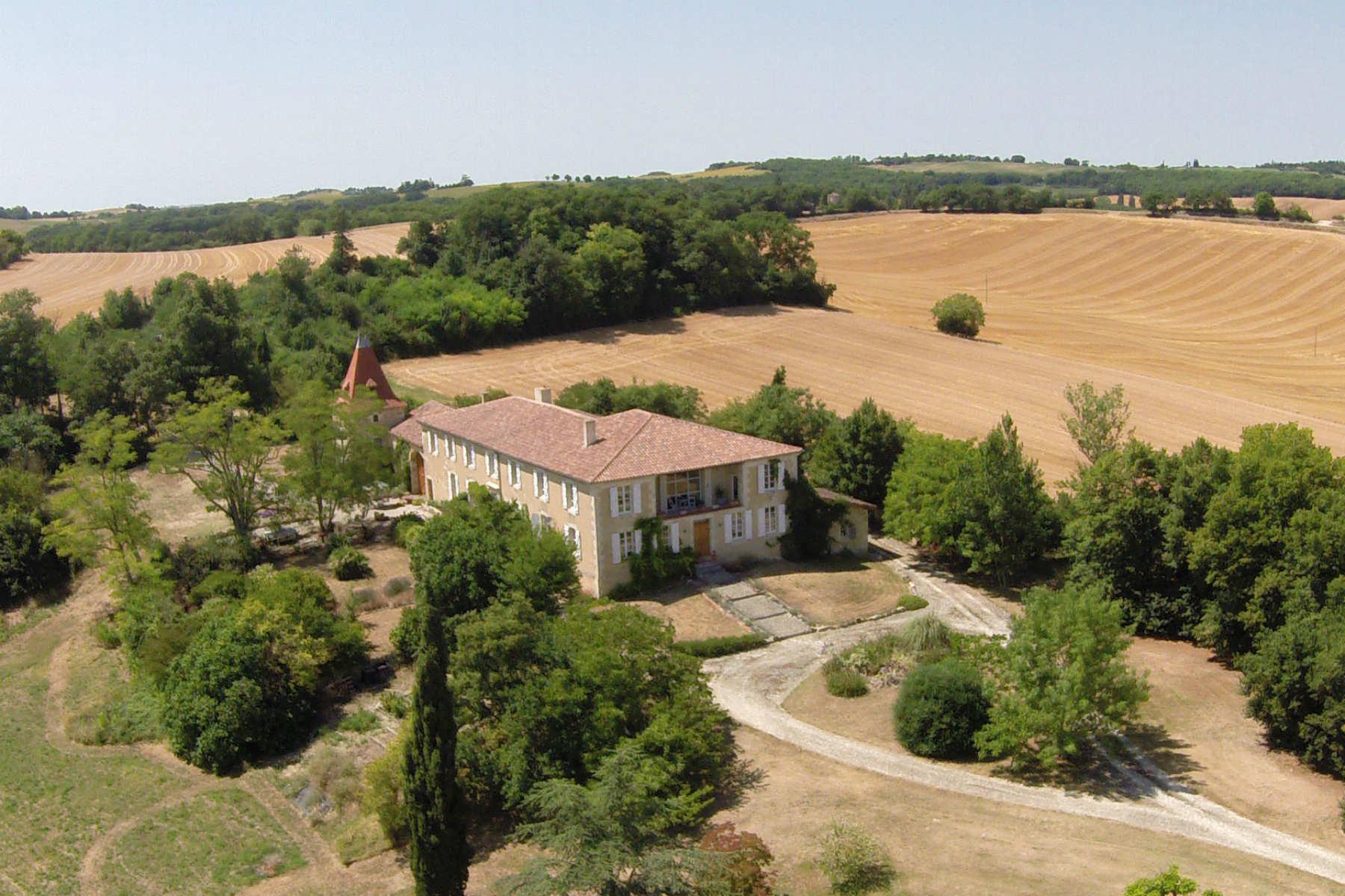 Lovely Farmhouse with Gorgeous Views