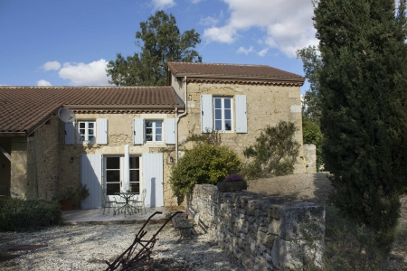Period Hilltop Property with cool Guest House