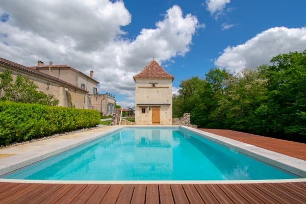Outstanding 16-18C Chateau With Guest Cottage